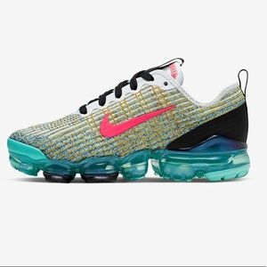 Nike Air Vapormax Flyknit 3 Big Kids size 5Y